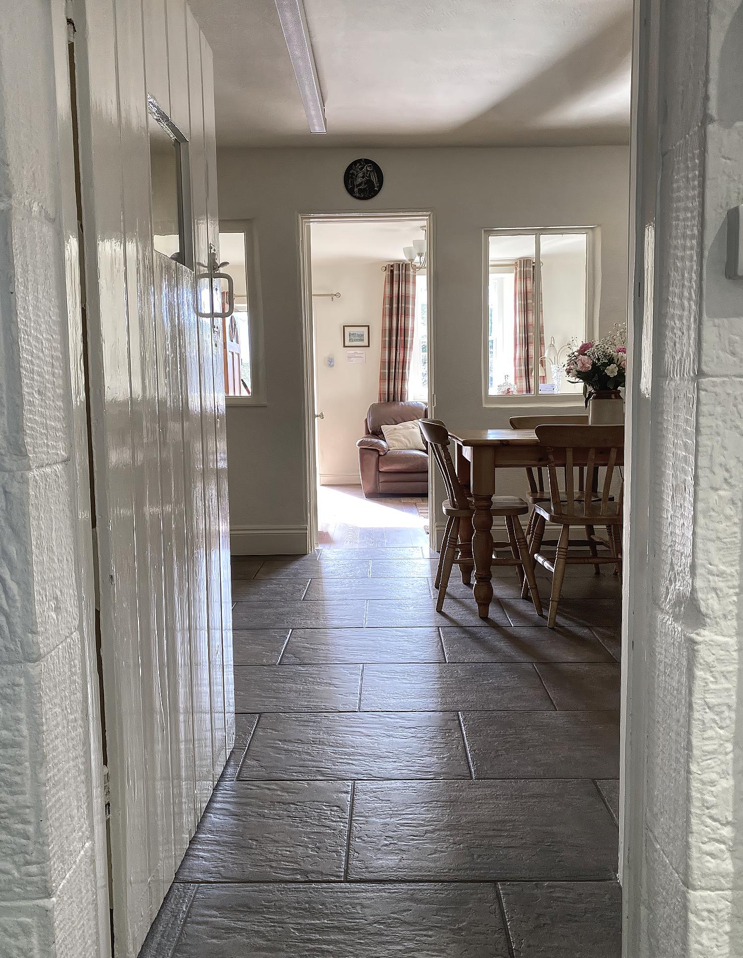 Kitchen/diiner/lounge